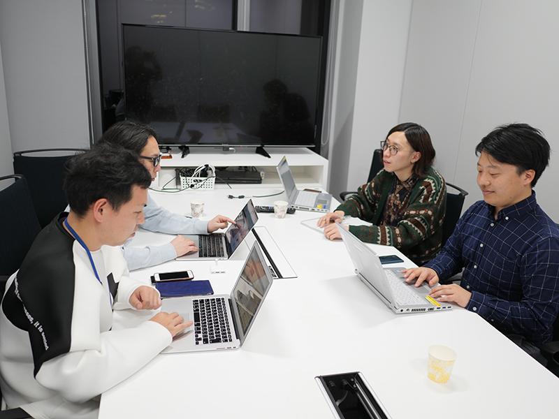 02_エイベックスさんとの打ち合わせの様子_Meeting at Avex.jpg